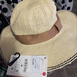 Sun hat from Zara